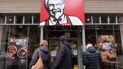 Κλειστά τα μισά καταστήματα KFC στη Βρετανία λόγω έλλειψης σε