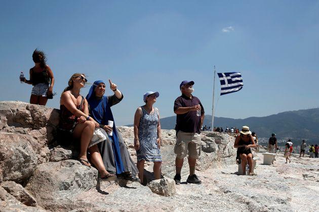 Πόσοι τουρίστες επισκέφθηκαν την Ελλάδα το 2017, σύμφωνα με στοιχεία της