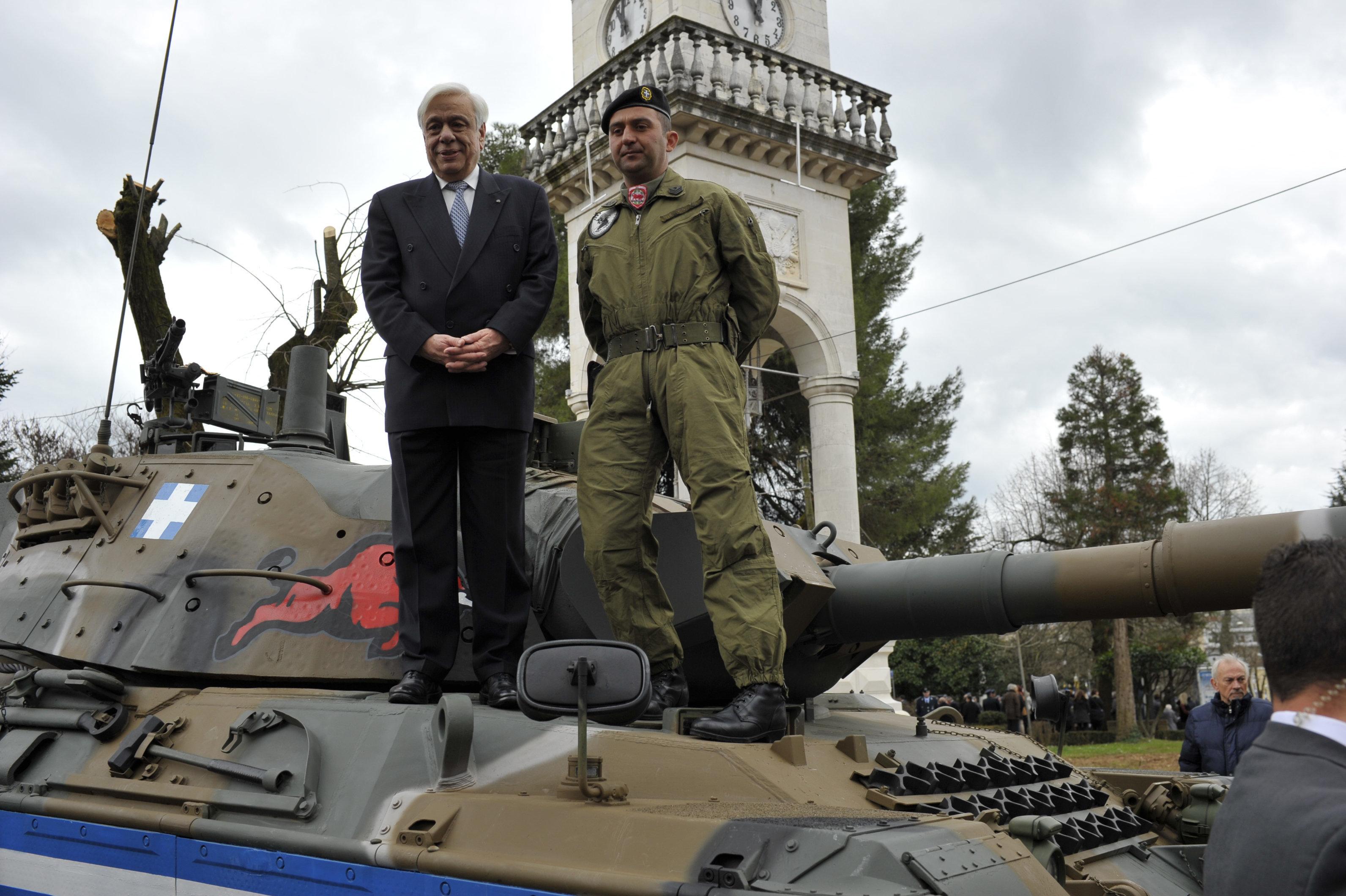 Παυλόπουλος: Οι Έλληνες ξέρουμε να υπερασπιζόμαστε τα σύνορα και την εθνική μας