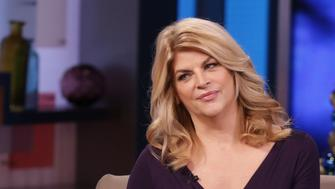 GOOD MORNING AMERICA - Kirstie Alley is a guest on 'Good Morning America,' 12/2/13, airing on the ABC Television Network.   (Photo by Fred Lee/ABC via Getty Images)  LARA SPENCER, KIRSTIE ALLEY