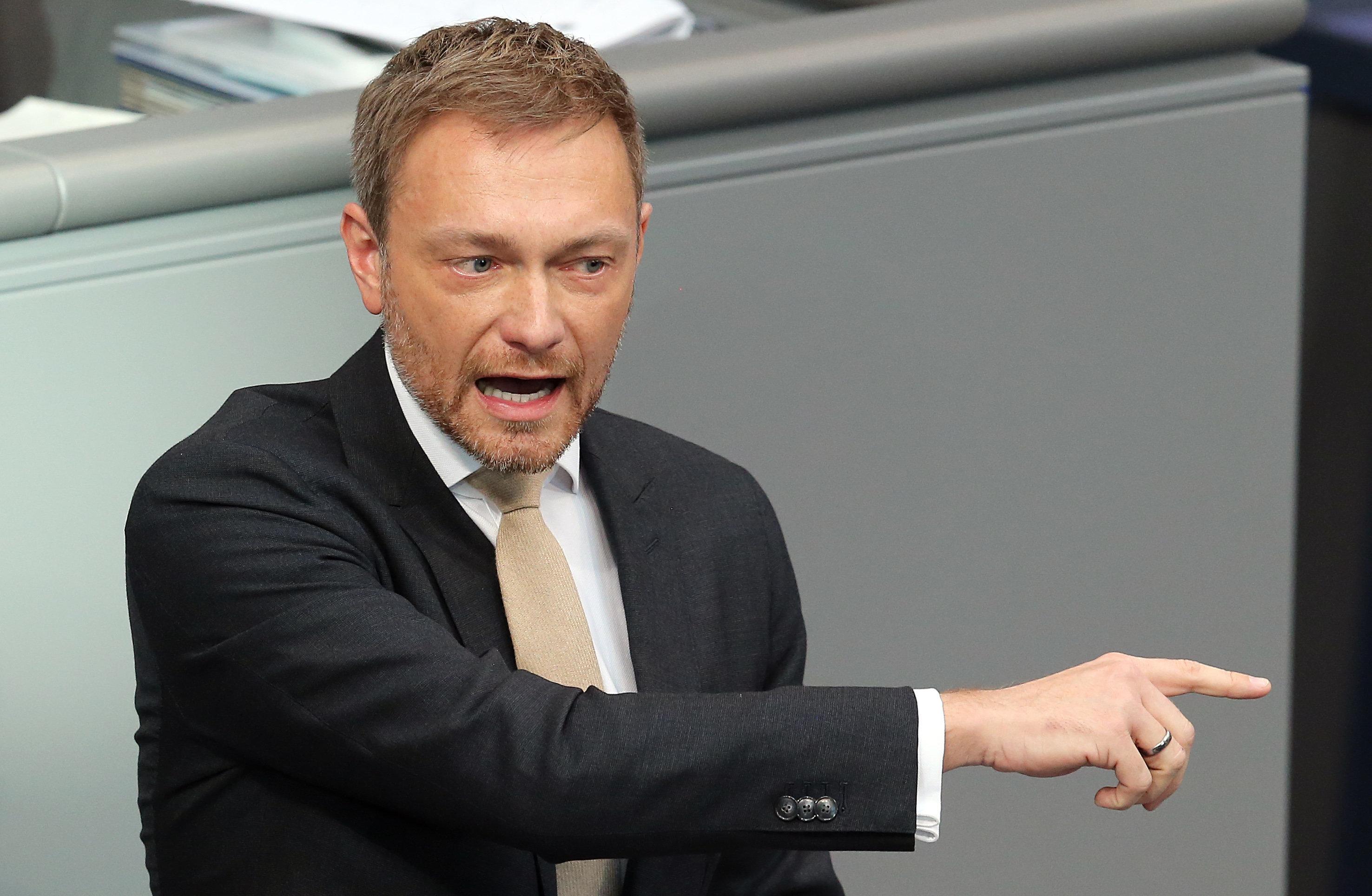 Weidel schimpft im Bundestag auf die EU – Lindner weist sie scharf zurecht