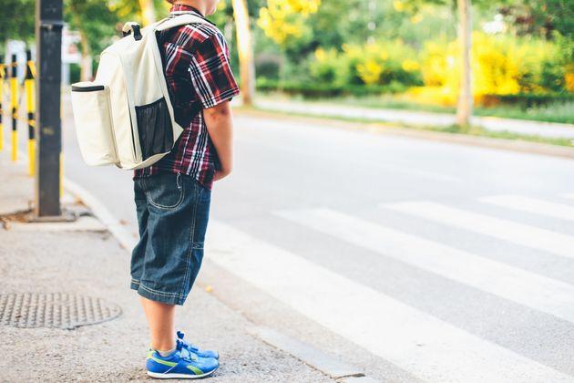 Dem 10-jährigen Tarik wurde der Rucksack mit Basketball-Schuhen geklaut