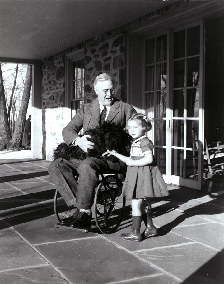Roosevelt with Fala in 1941.
