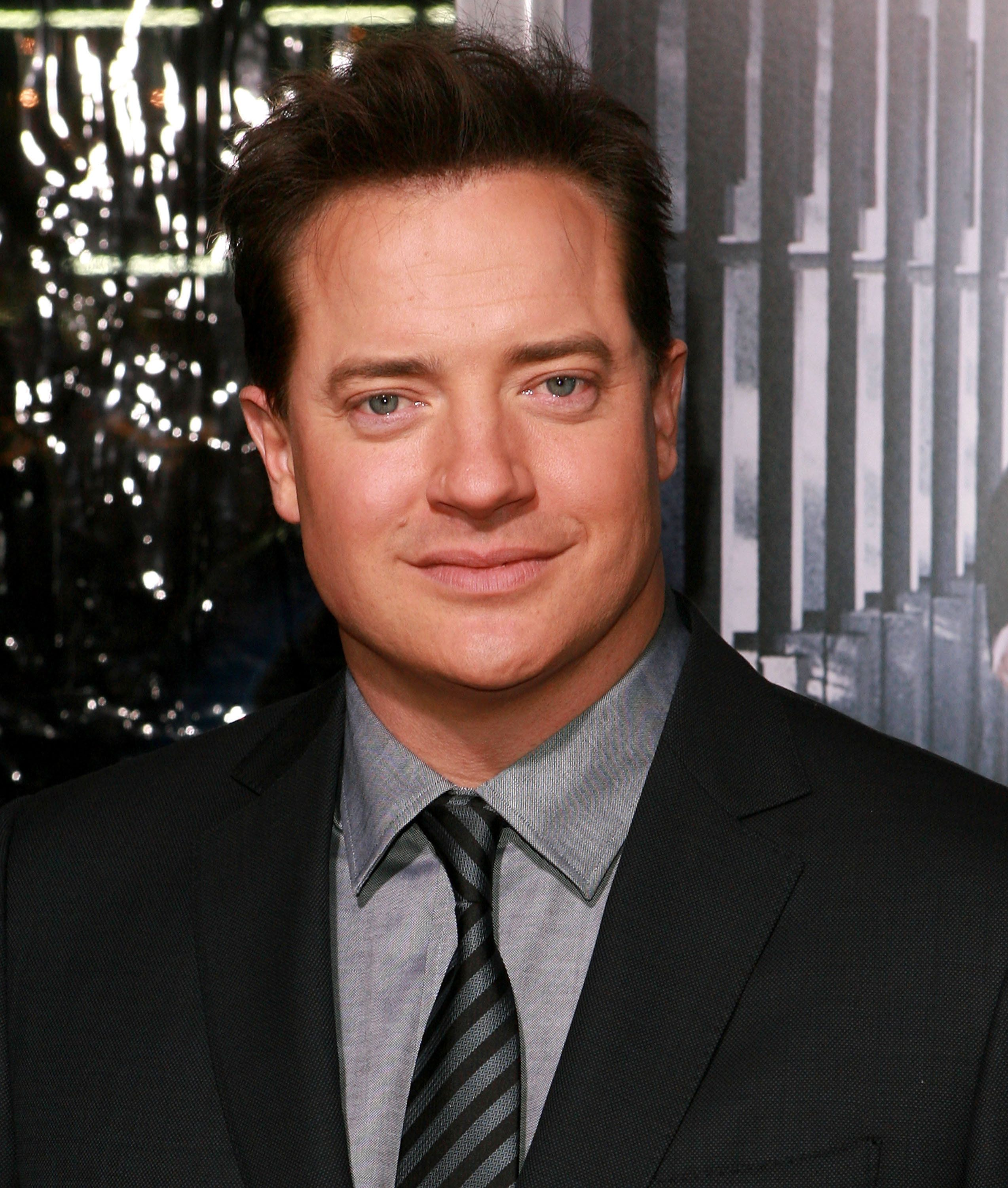 HOLLYWOOD - JANUARY 19:  Actor Brendan Fraser arrives to the 'Extraordinary Measures' Los Angeles Premiere at Grauman's Chinese Theatre on January 19, 2010 in Hollywood, California.  (Photo by Jesse Grant/WireImage)