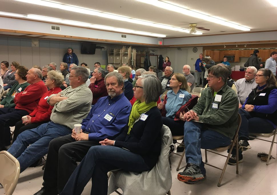Activists in Rice Lake turn out to listen to Sen. Tammy Baldwin (D-Wis.).