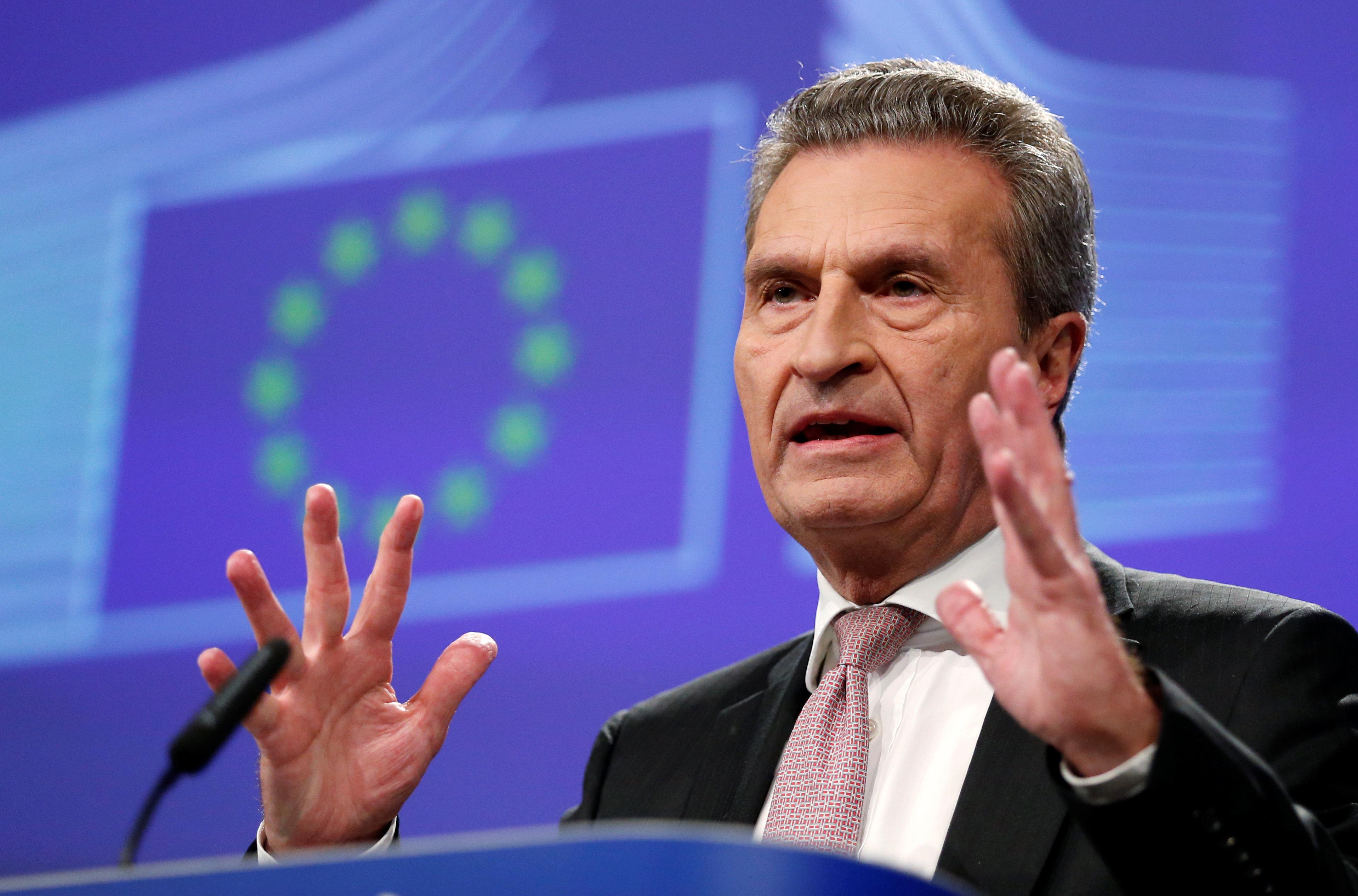 Oettinger droht Polen und Ungarn vor EU-Gipfel mit Geldentzug