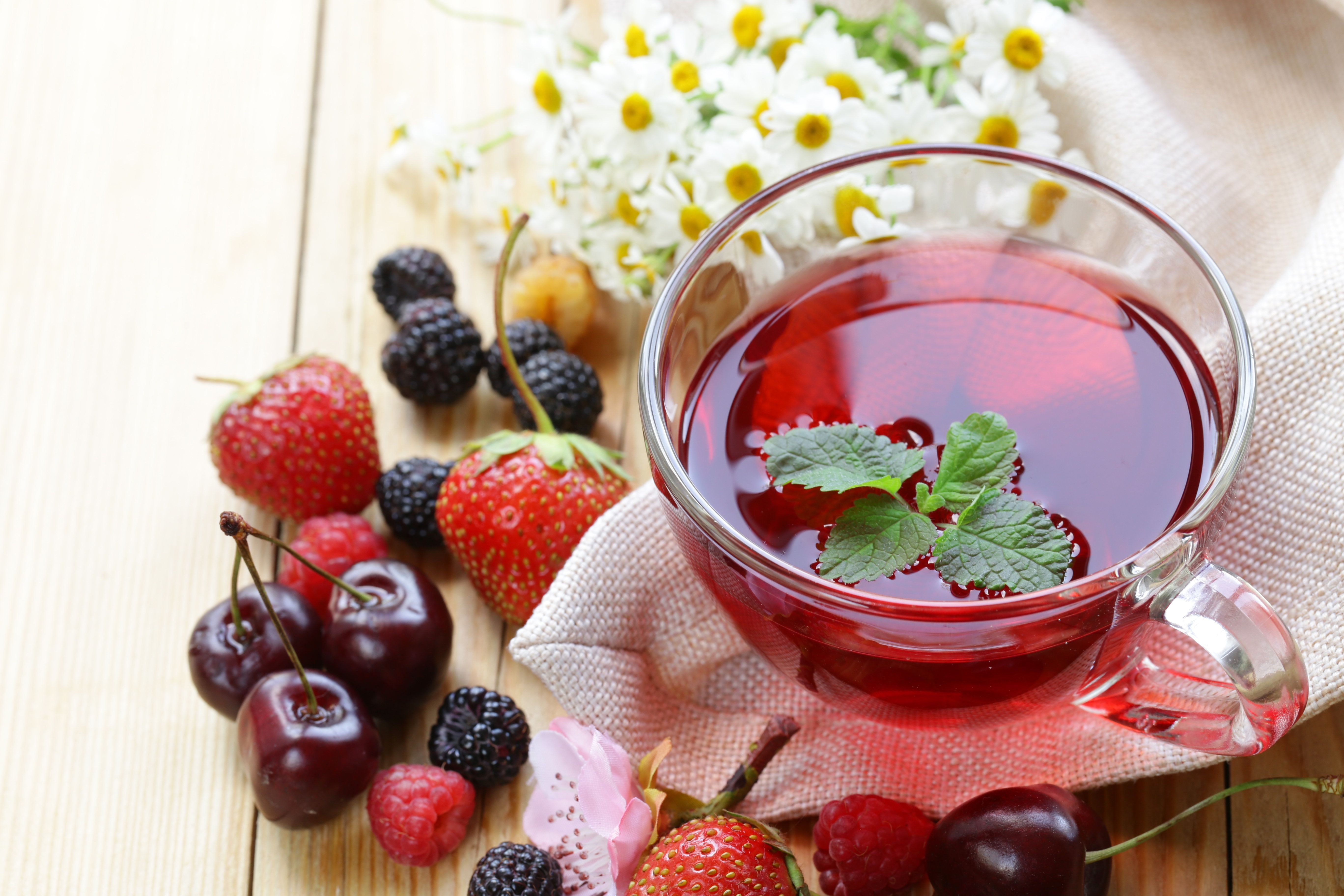 Drinking Fruit Tea Between Meals Increases Chance Of Tooth