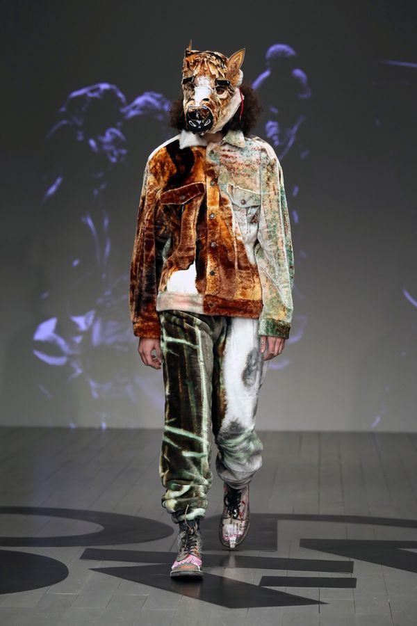 At theOn|Off Presents - Honest Man showduring London Fashion Week, models came down the runway wearing animal hea
