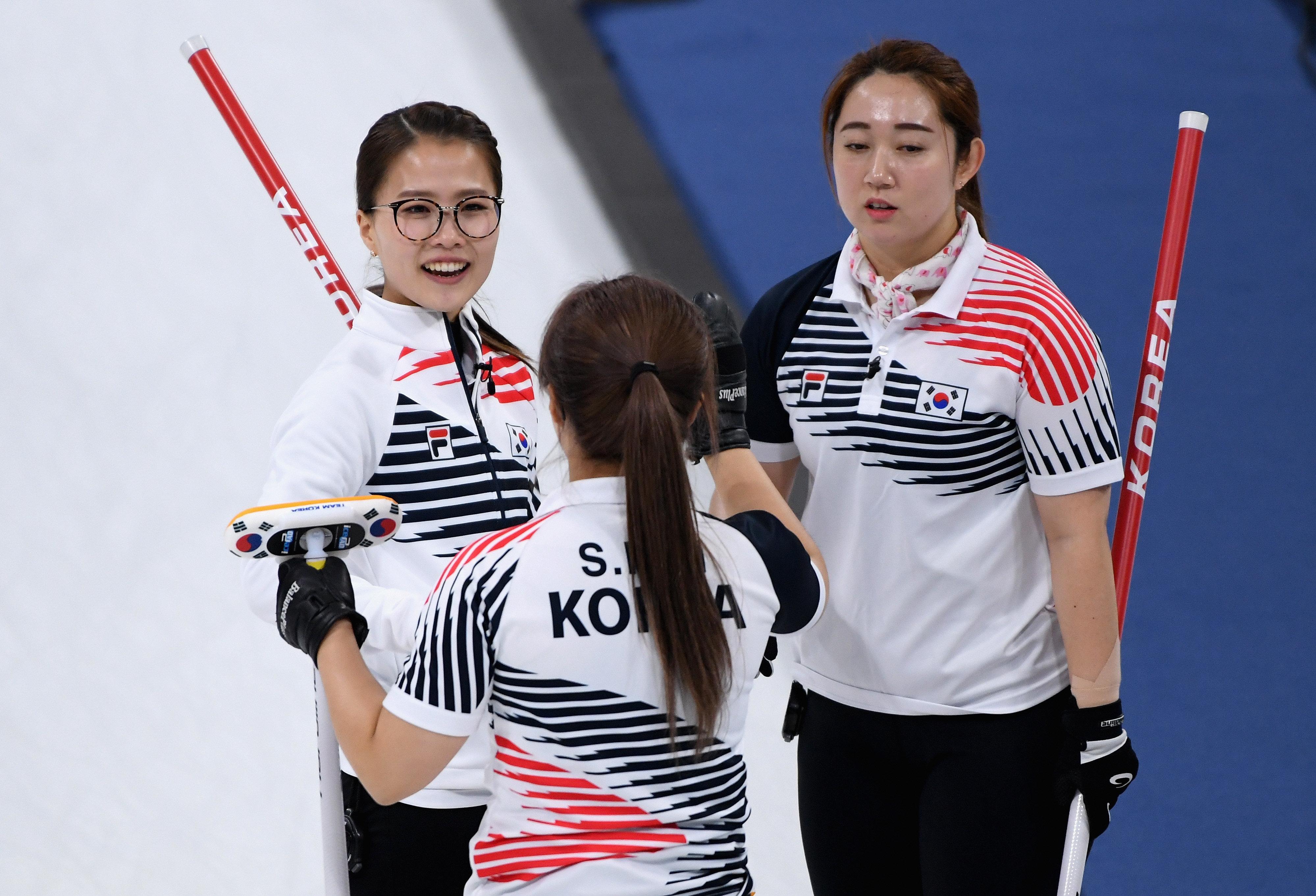 여자 컬링이 은메달을 따며 올림픽을