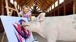 Dieses Schwein malt Bilder – Kunstliebhaber auf der ganzen Welt zahlen Tausende Euro für