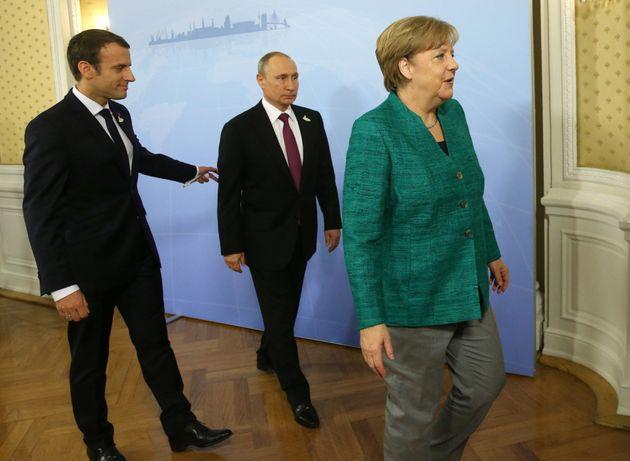 Επικοινωνία Μακρόν-Μέρκελ με Πούτιν για την
