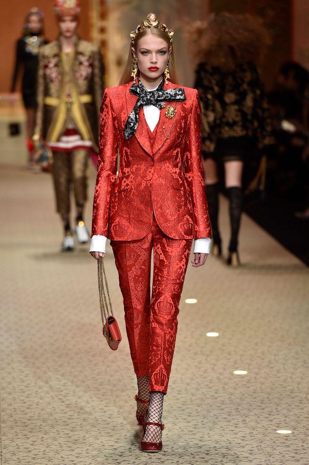 돌체 앤 가바나 패션쇼에 모델 대신 드론이