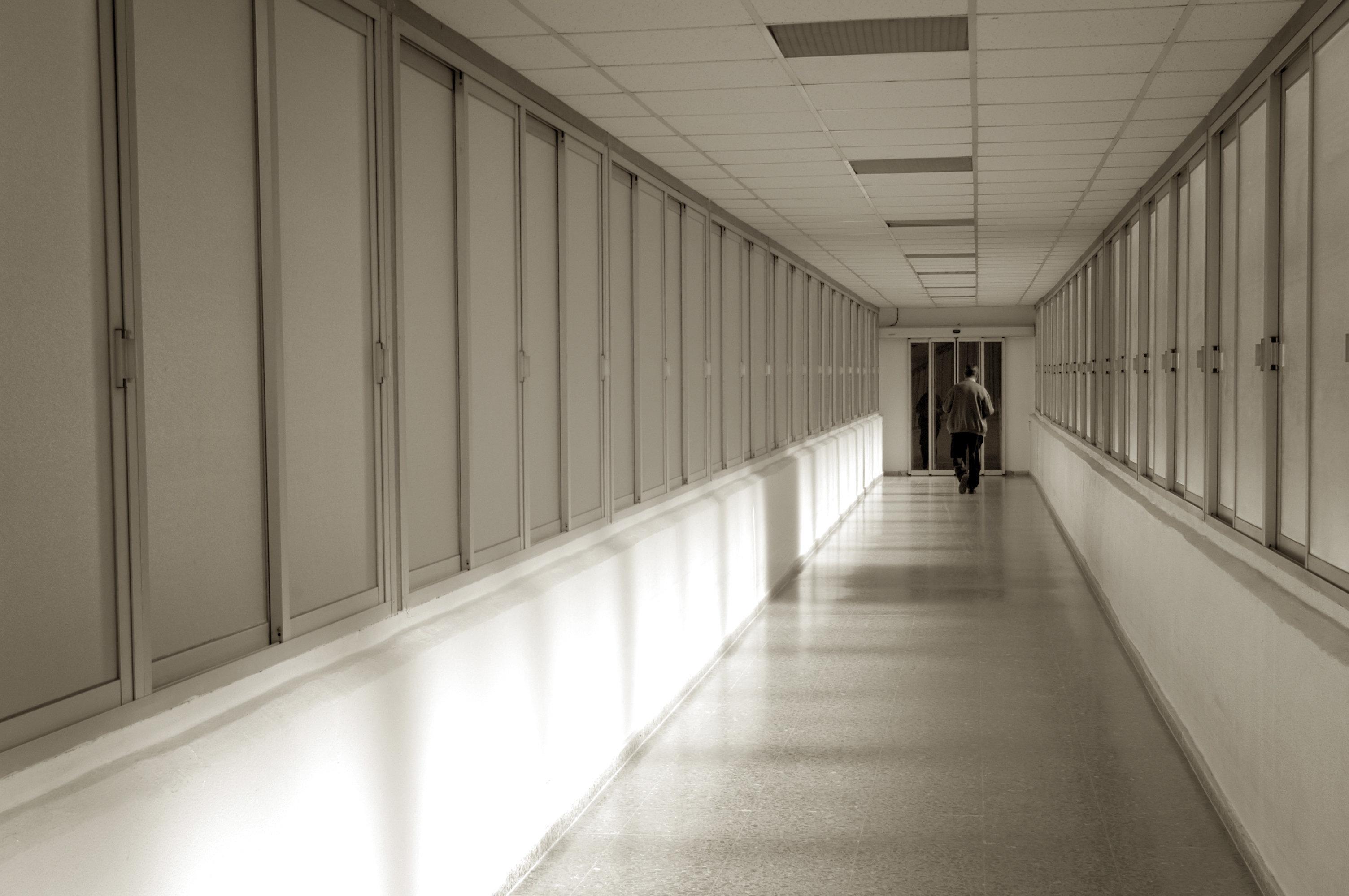 Der Tag, an dem mein Mann nach einem Selbstmordversuch aus der Psychiatrie