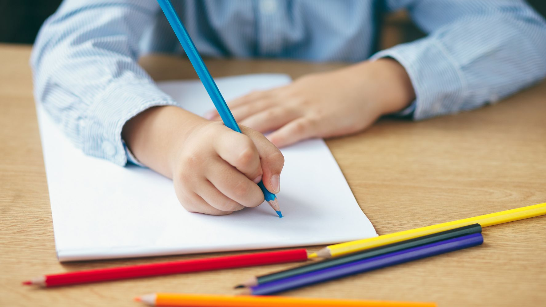 Worried Your Child Is Struggling To Hold A Pencil? This Is ...