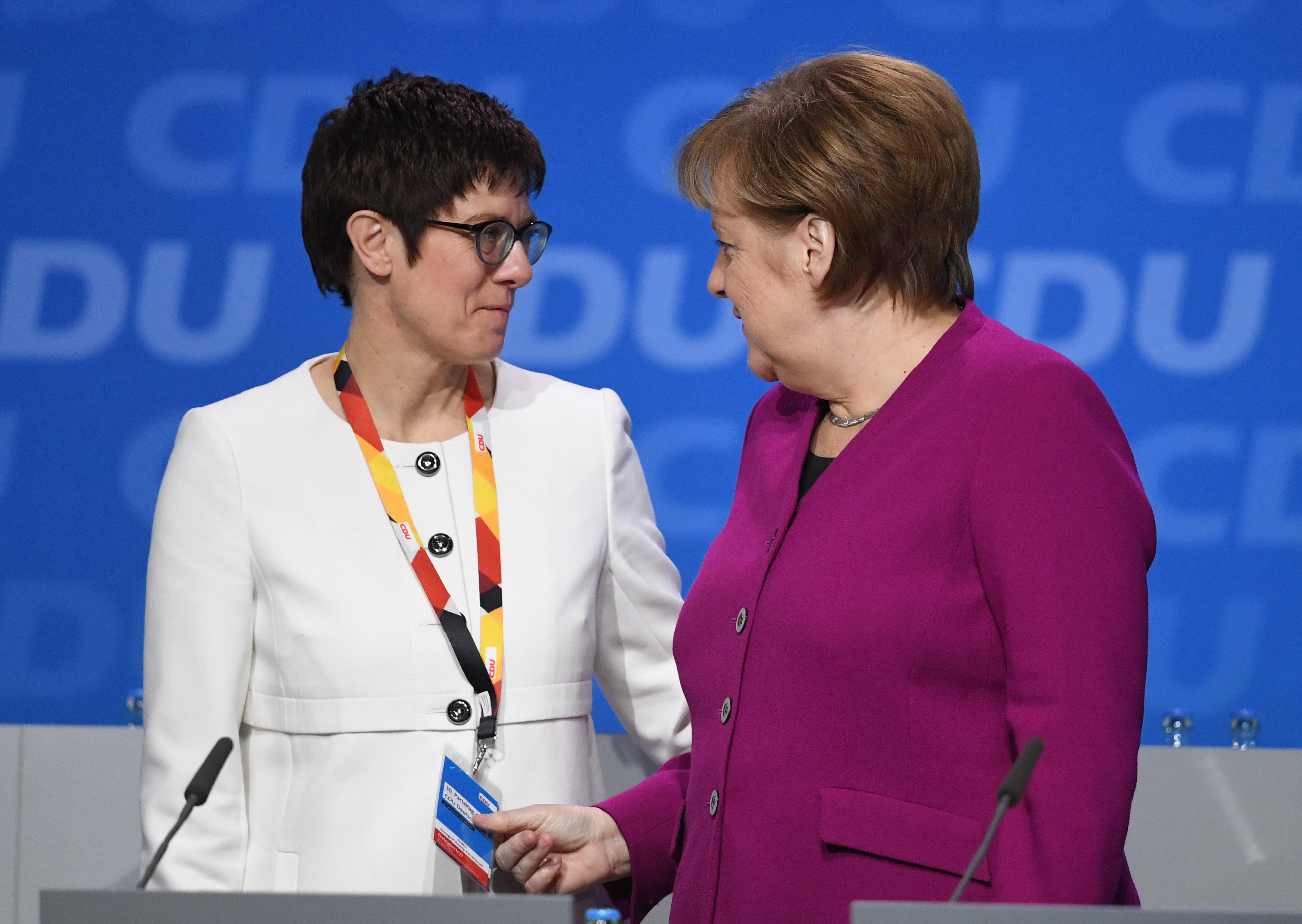 Teile und herrsche: Wie sich Merkel auf dem CDU-Parteitag ihre Macht sicherte