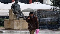 Προβλήματα από χιονοπτώσεις και καταιγίδες σε βόρεια και κεντρική Ελλάδα. Που χρειάζονται αντιολισθητικές, ποια σχολεία δεν θ...