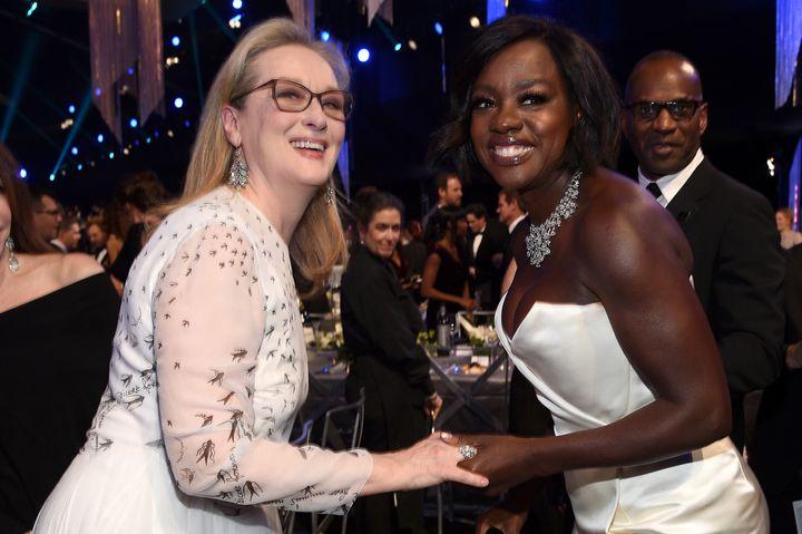 H Meryl Streep και η Viola Davis έχουν μια μακρά φιλία, οπού αμφότερες έχουν μιλήσει με τα καλύτερα λόγια η μία για την άλλη, τόσο για τον χαρακτήρα τους, όσο και για την υποκριτική τους δεινότητα.