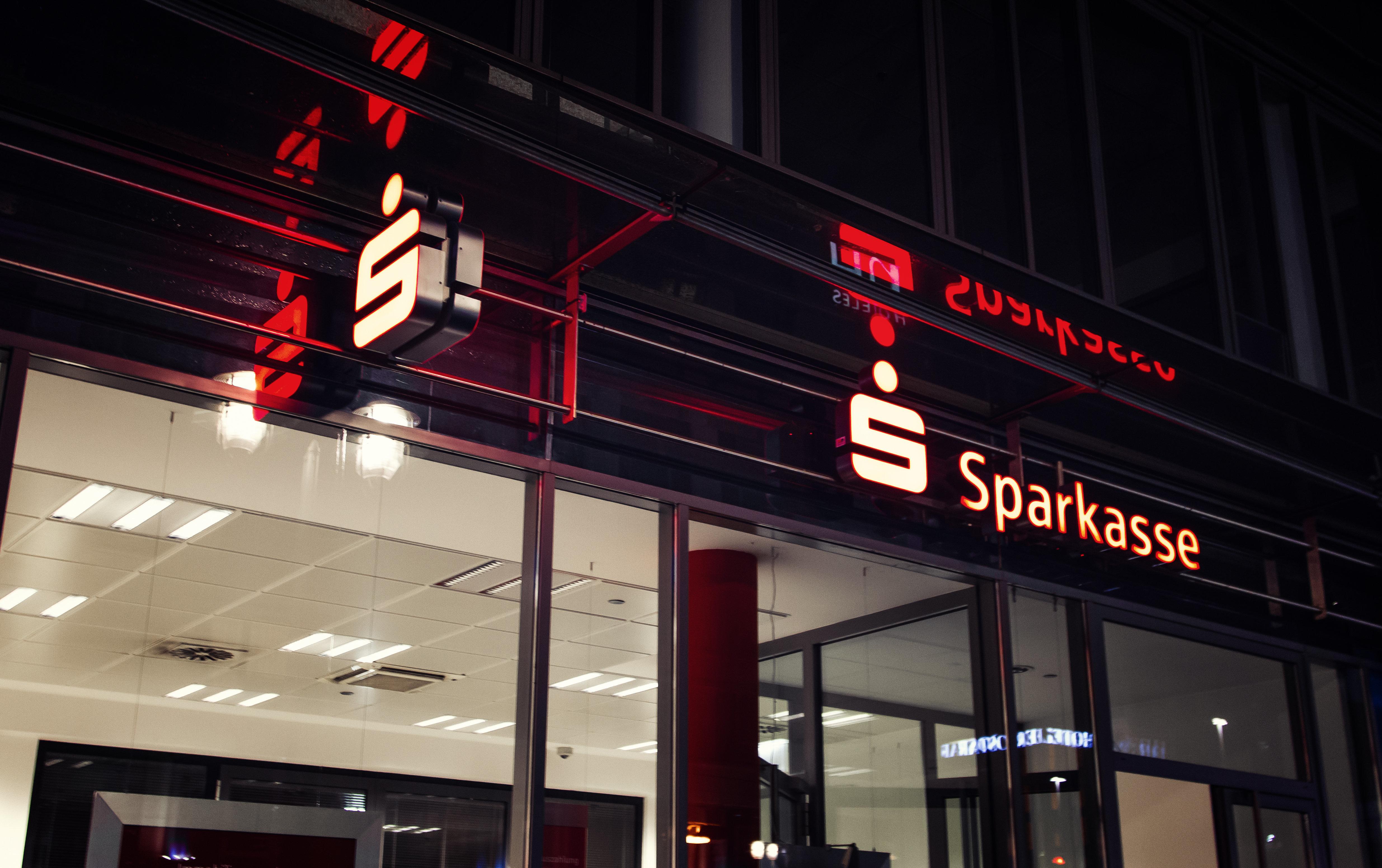 Kunde erhebt schwere Vorwürfe gegen eine Sparkassen-Filiale in