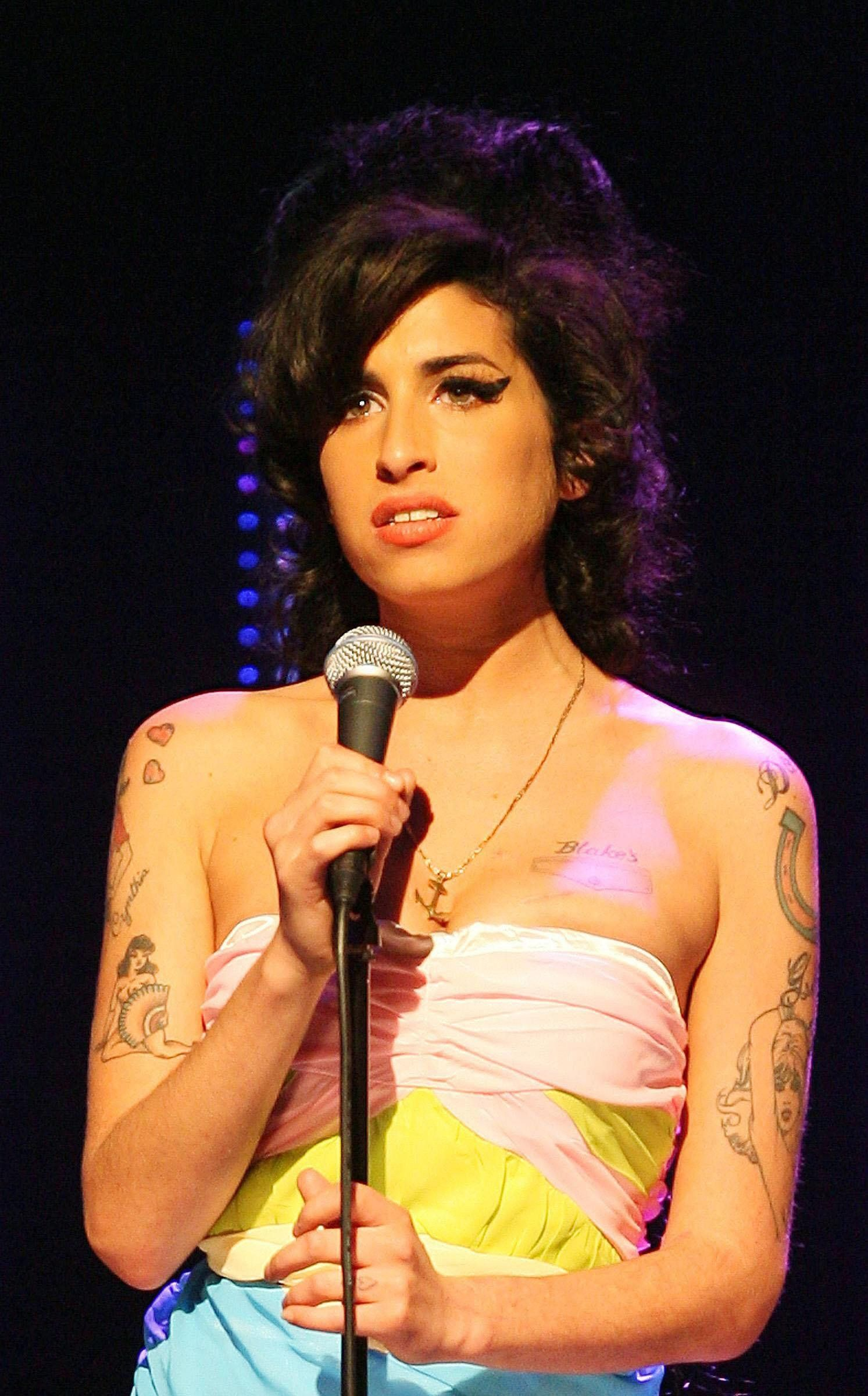 Unheard Demo Amy Winehouse Recorded At The Age Of 17 Is Released
