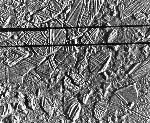 Τα μυστικά της Ευρώπης: Το περίεργο γήινο βακτήριο που κάνει πολύ πιθανή την ύπαρξη εξωγήινης ζωής στο...