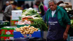 Während die Essener Tafel Flüchtlinge abweist, helfen sie in München ehrenamtlich mit