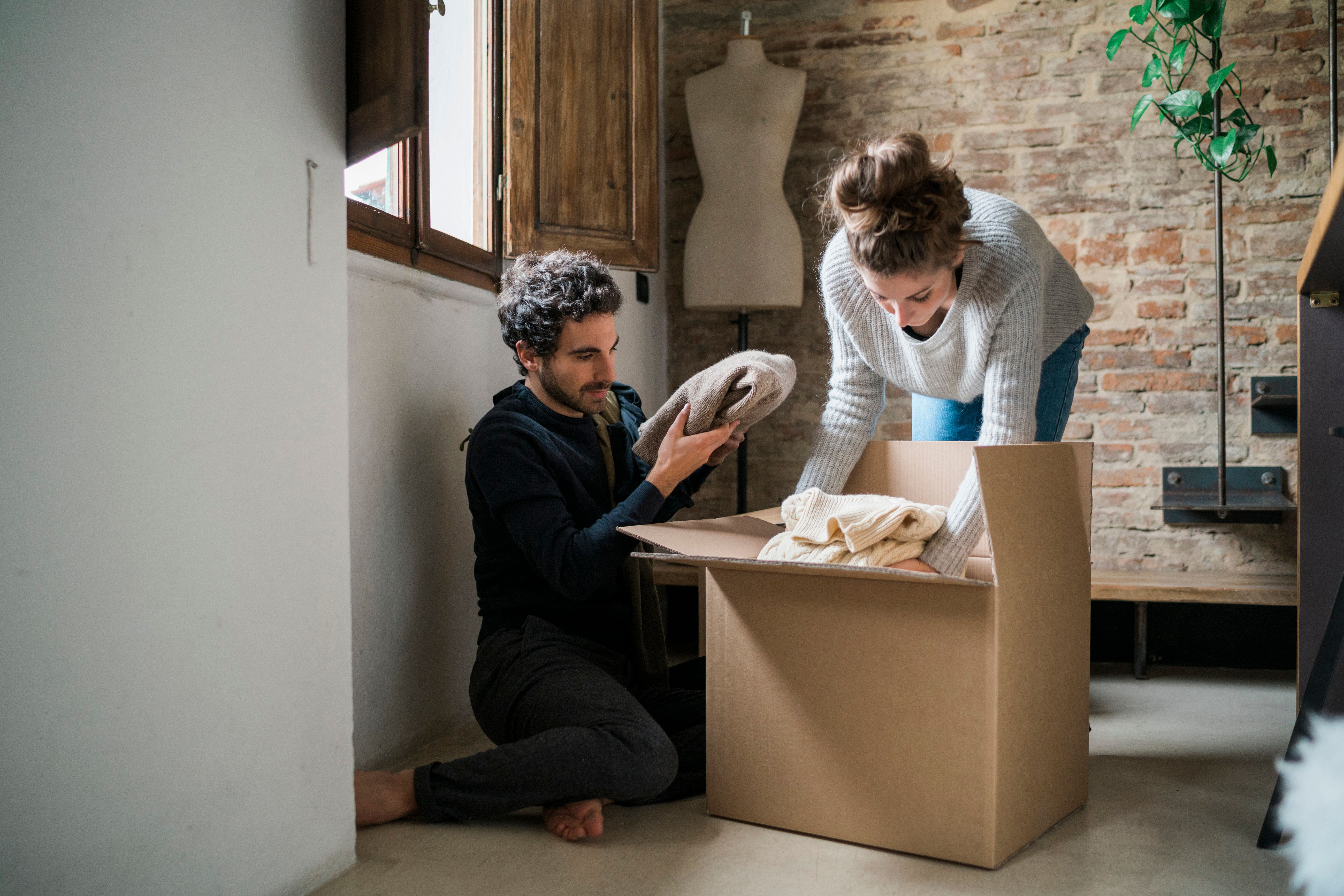 6 Signs It's Too Soon To Move In Together