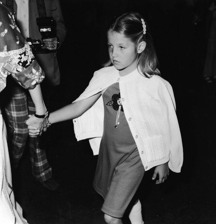HLisa Marie Presley ήταν 9 ετών όταν έχασε τον πατέρα της.