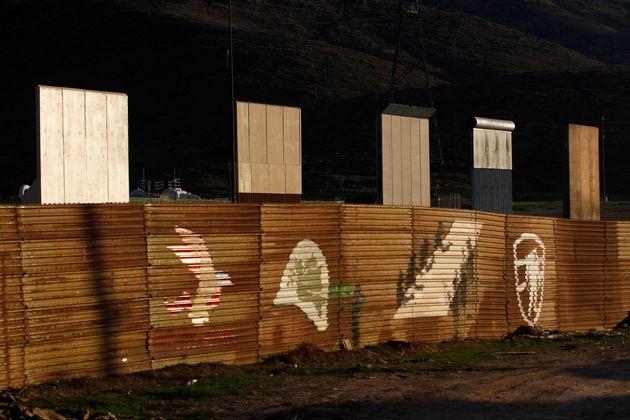 Δικαστήριο στις ΗΠΑ απορρίπτει αίτημα κατά της κατασκευής του τείχους στα σύνορα με το