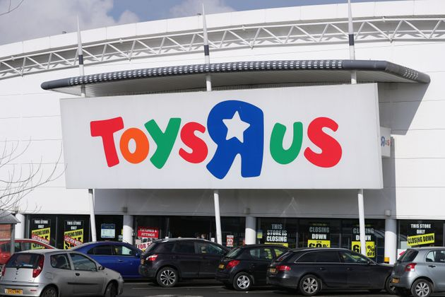 Toys R Us goes into administration, putting 3,200 jobs at