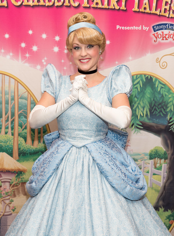 Viele junge Frauen wollen jetzt aussehen wie Cinderella – und bringen sich selbst in Gefahr