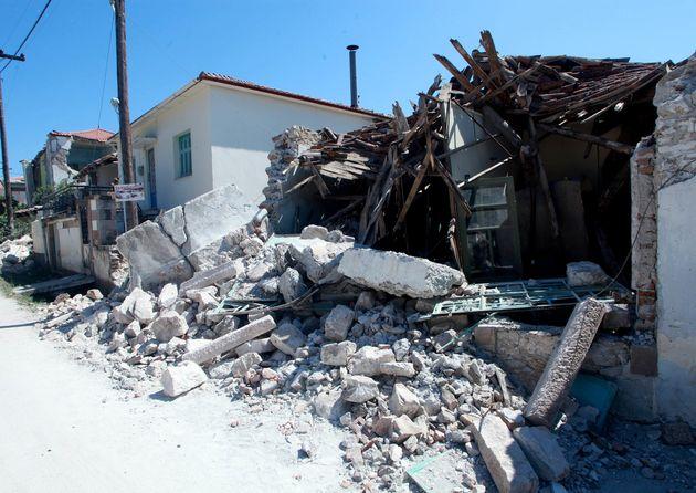 Λέσβος: Δεν υποχρεούνται να πληρώσουν ΕΝΦΙΑ ιδιοκτήτες σεισμόπληκτων