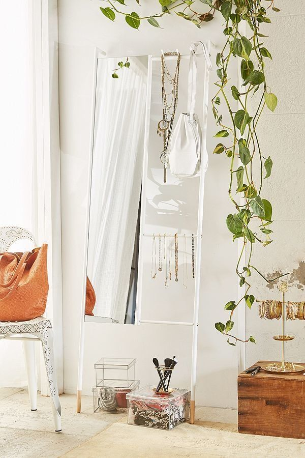 "<a href=""https://www.urbanoutfitters.com/shop/leni-leaning-mirror?category=furniture&color=010"" target=""_blank"">This fram"