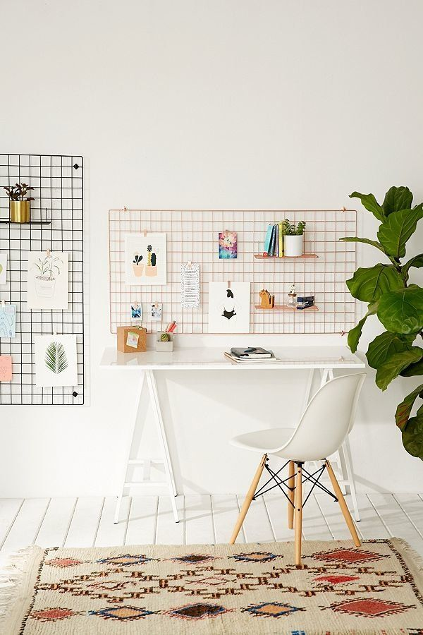"<a href=""https://www.urbanoutfitters.com/shop/large-wire-wall-grid?category=dinnerware&color=001"" target=""_blank"">This wa"