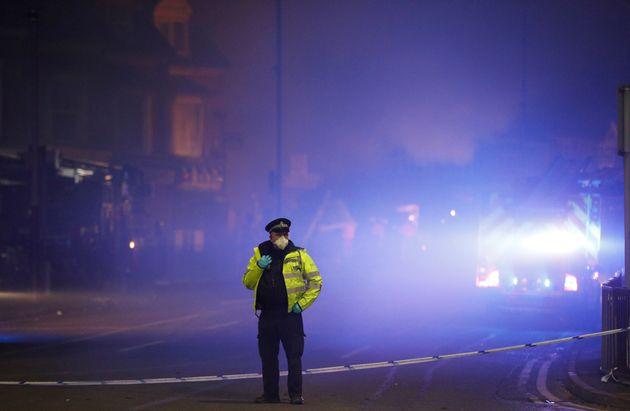 Βρετανία: Τρεις συλλήψεις στις έρευνες για την έκρηξη στο