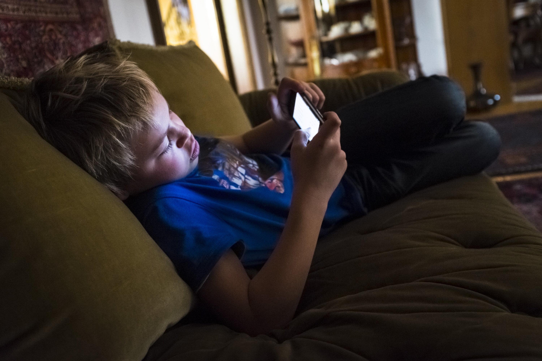 Rund 100.000 Jugendliche von Sozialen Medien abhängig