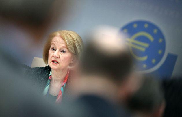 Νουί: Οι ελληνικές τράπεζες πρέπει να προσπαθήσουν κι άλλο για τη μείωση των «κόκκινων»