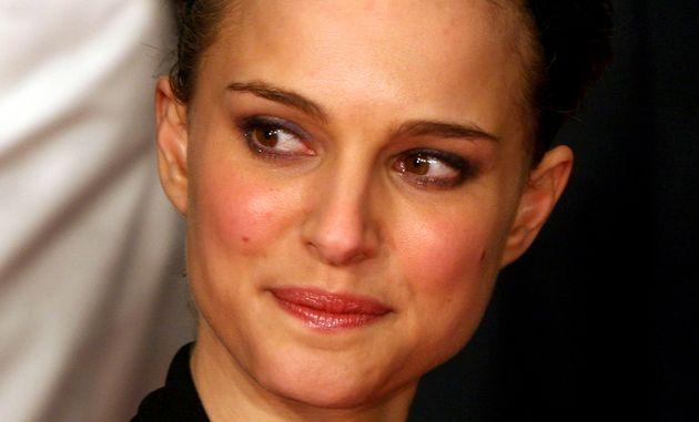 Η Natalie Portman επέστρεψε στο (πάρα πολύ) κοντό