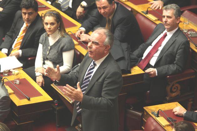 Λιποθύμησε ο βουλευτής της ΝΔ, Γιώργος Βαγιωνάς στη