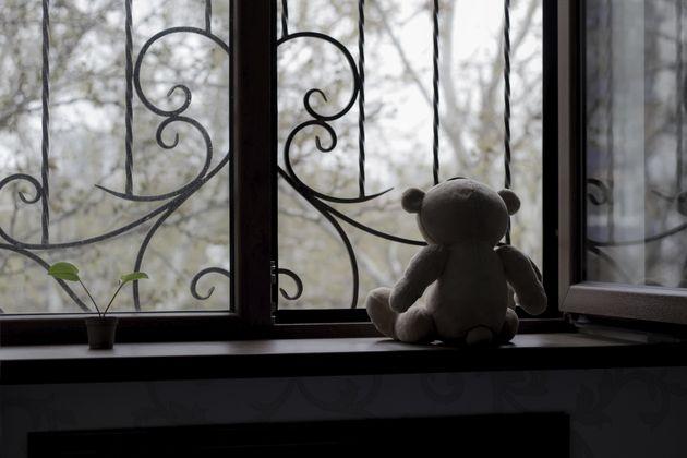Φρίκη στην Πιερία: Πατέρας βίαζε με άλλους τρεις άνδρες την 16χρονη κόρη του από την ηλικία των έξι