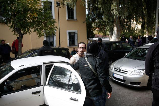 Αντιεξουσιαστές έφθασαν μέχρι το δωμάτιο που νοσηλεύεται ο Γιαγτζόγλου στο νοσοκομείο