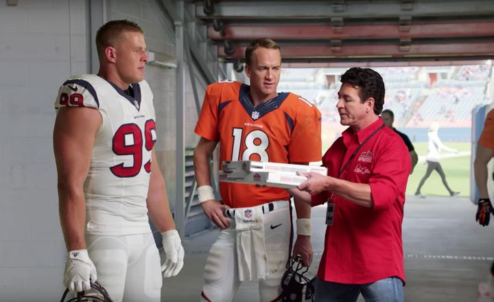 Papa John's founder and chairman John Schnatter (R) with JJ Watt (L) and Peyton Manning in a Papa John's commerci