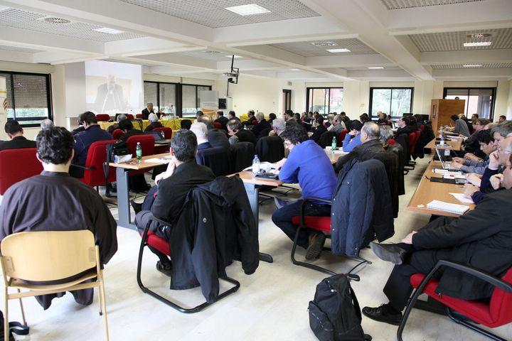 A teacherspeaks to studentsduringacourse on exorcismat the Regina Apostolorum Pontifical Athene