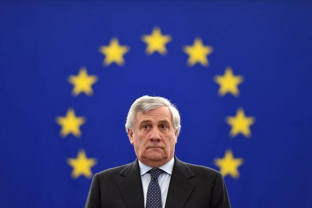Ο Αντόνιο Ταγιάνι είναι και επίσημα ο υποψήφιος πρωθυπουργός της κεντροδεξιάς στην