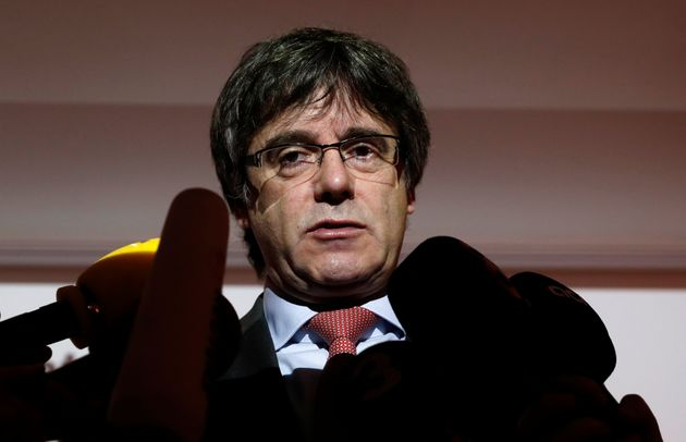 O Πουτζντεμόν παραμένει στο Βέλγιο και ανακοινώνει πως δεν διεκδικεί την προεδρία της κυβέρνησης στην