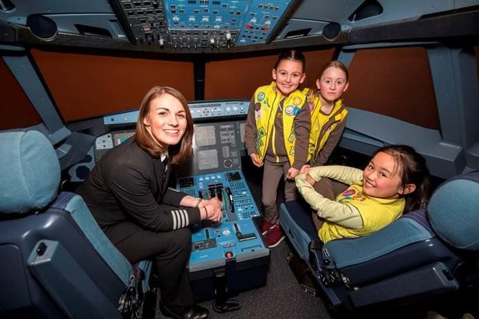 These lucky Brownies were shown around an aeroplane by easyJet pilots.