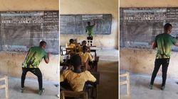 Δάσκαλος στη Γκάνα διδάσκει πληροφορική...χωρίς υπολογιστές. Και η ιστορία του (δικαίως) γίνεται