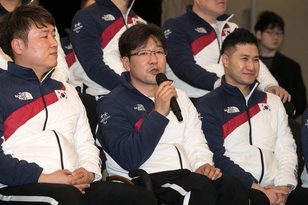 2018 평창 동계 패럴림픽 휠체어컬링에 출전하는 서순석이 2일 오후 서울 종로구 세종문화회관에서 열린 선수단 출정식 미디어 브리핑에서 포부를 밝히고