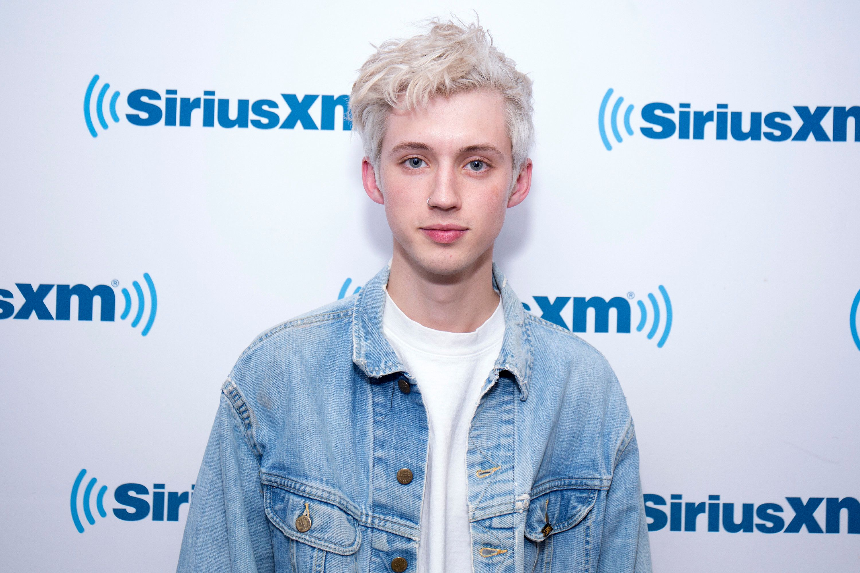 NEW YORK, NY - FEBRUARY 12:  Troye Sivan visits SiriusXM Studios on February 12, 2018 in New York City.  (Photo by Santiago Felipe/Getty Images)