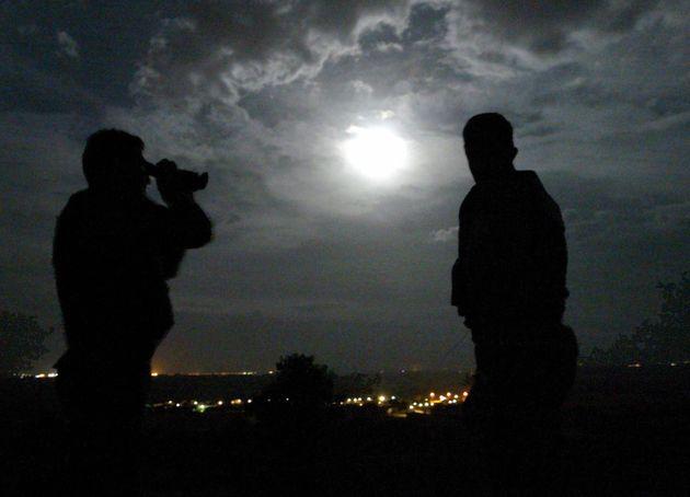 Προφυλακίζονται οι Έλληνες στρατιωτικοί. Τη Δευτέρα ενώπιον της τουρκικής