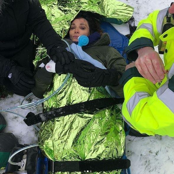 'Broadchurch' Actress Sarah Parish Breaks Leg After Attempting To Snowboard On Cheap Plastic